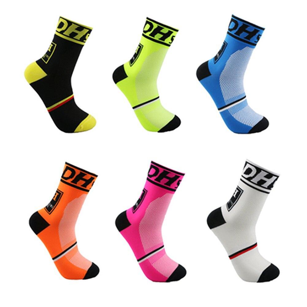 איכות גבוהה מקצועי MTB אופני הרים אופני ספורט בחוץ גרביים הגנה על הרגליים לנשום wicking גרביים גברים אופניים גרביים