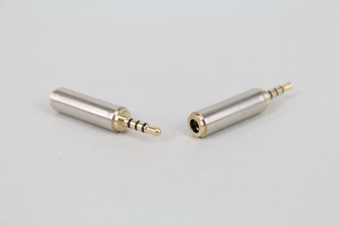 100pcs Lot Phone Earphone Adapter Gold 2 5mm Male to 3 5mm Female audio Stereo Adaptor