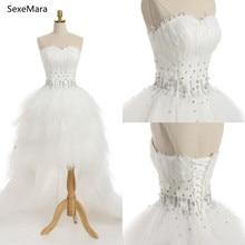 10b72a9b38a75 Robe de mariée blanche de luxe avec plumes échantillon réel chérie Sexy  perles de cristal Hi-Lo Corset dos robes de mariée sur m.