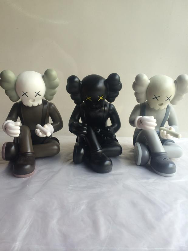 Best Selling 8 inch Orignalfake GISWIL kaws this is not a toy exhibition three color black brown and grey optional this is not baby school