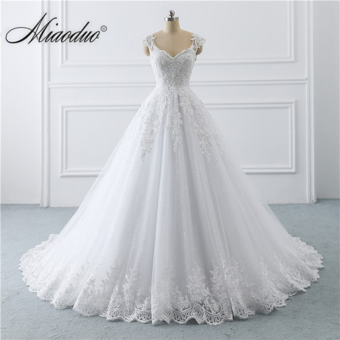 White Wedding Dresses Ball Gown Cap Sleeve Lace Applique Beading hochzeitskleid gelinlik vestido branco vestidos de