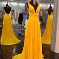 Sexy Profunda V Cuello Vestidos de Fiesta Amarillo 2017 Correas Espaguetis Backless del partido de Baile Vestido Formal vestidos de gala longo Personalizada hecho