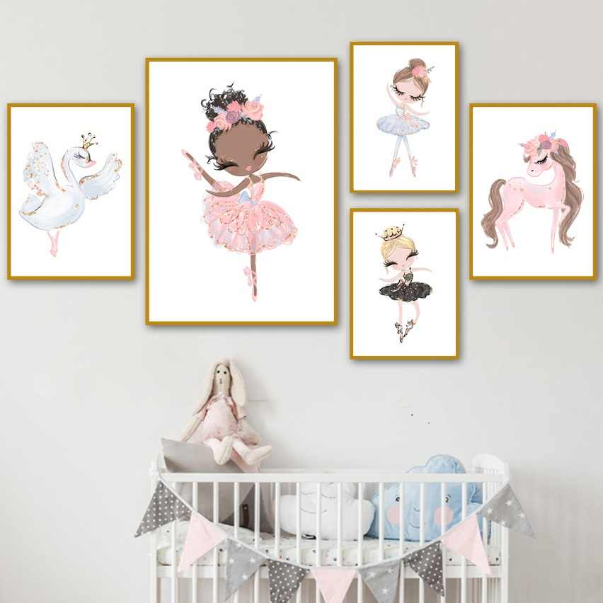 สีชมพูสีน้ำ Unicorn Swan สาวมงกุฎดอกไม้ Nordic โปสเตอร์และภาพพิมพ์ผนังศิลปะภาพวาดผ้าใบภาพผนังเด็กตกแต่งห้อง