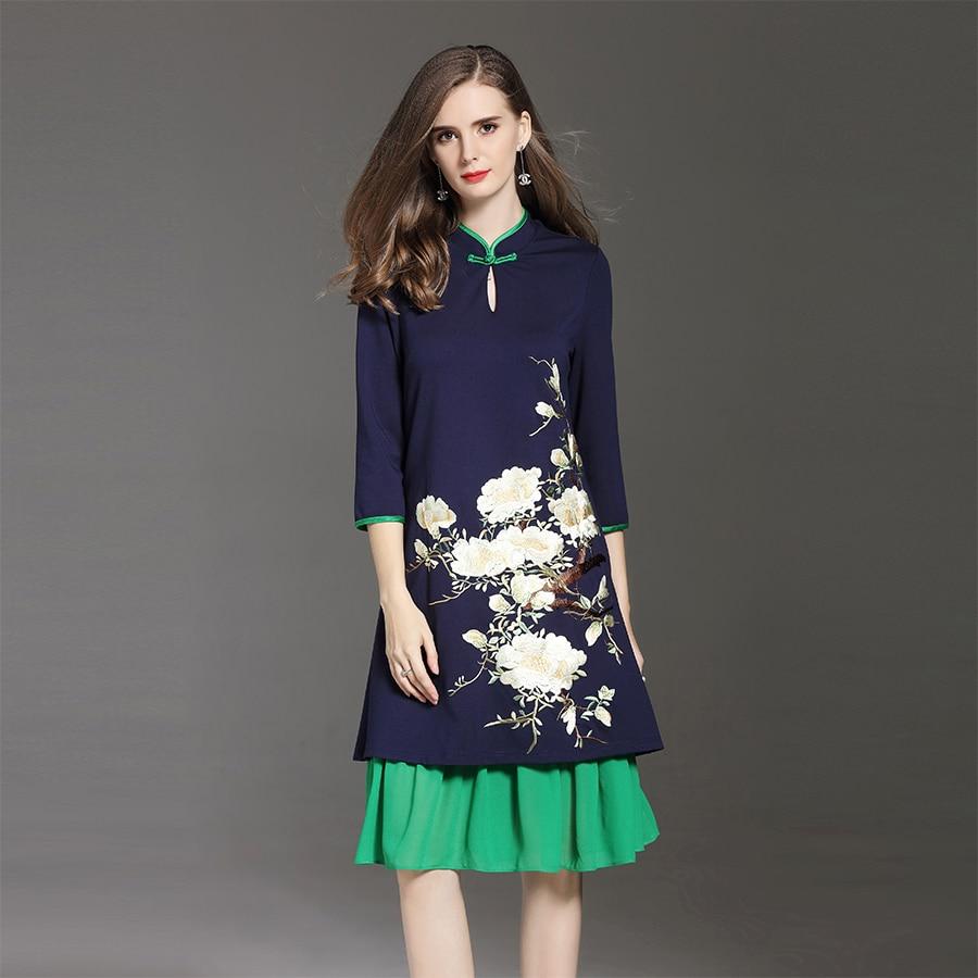 2017 Autumn Winter New Arrical Women Floral Embroidery Dress Plus Size Elegant Retro Mandarin Collar Female Loose Dress