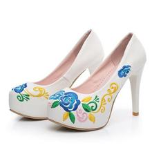 2017 New Women Shoes China Retro Style Embroidery Waterproof Platform High Heel Pumps Girls Fashion Leather Shoes Woman