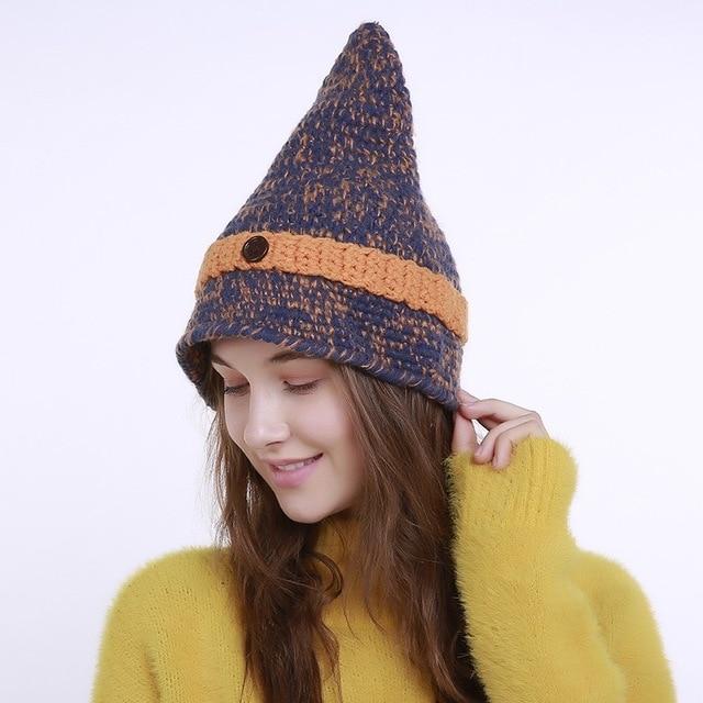 82878a5edba4 Mingjiebihuo Nouveau petit pointu bouton laine chapeau dames automne et  d hiver à la main tricot chapeau point sorcière chapeau femmes filles€ 7,52