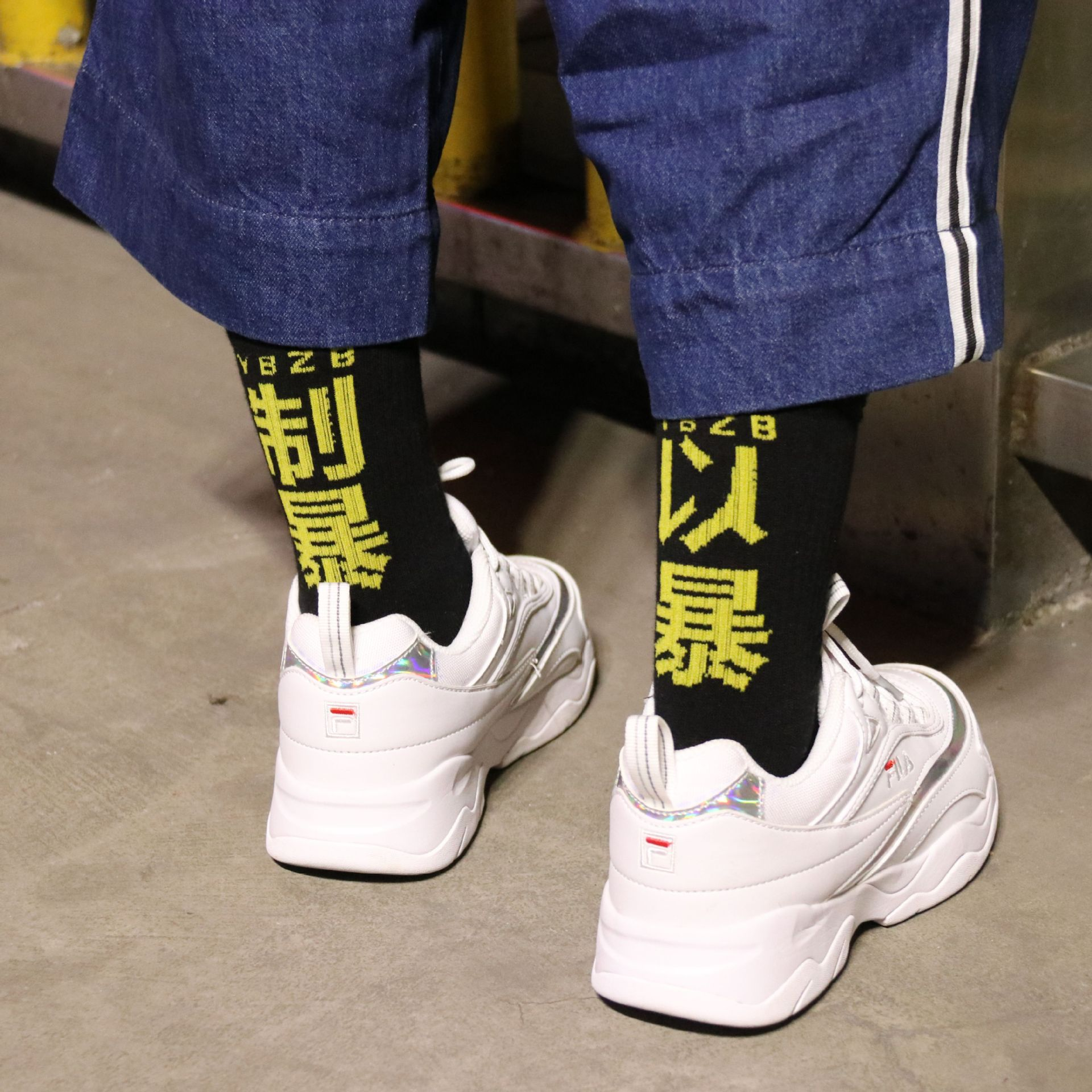 Men Women Casual Cotton   Socks   Kanye West Hip Hop Harajuku Skateboard characters and violence   socks   Street skateboard   socks
