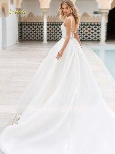 Image 3 - Loverxu robe de mariée Vintage, Sexy, dos nu, en Satin avec perles, robe de mariée élégante, avec des Appliques, ligne A, modèle 2020