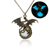 Game Of Throne Dragon Punk Luminous Dragon Pendants Necklaces GLOW In The DARK Dragon Amulet Sweater