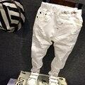2016 НОВЫХ детей Брюки младенца мальчика случайные джинсы дети мода белый джинсовые брюки Весна Осень Отверстия Брюки 2-6 Т