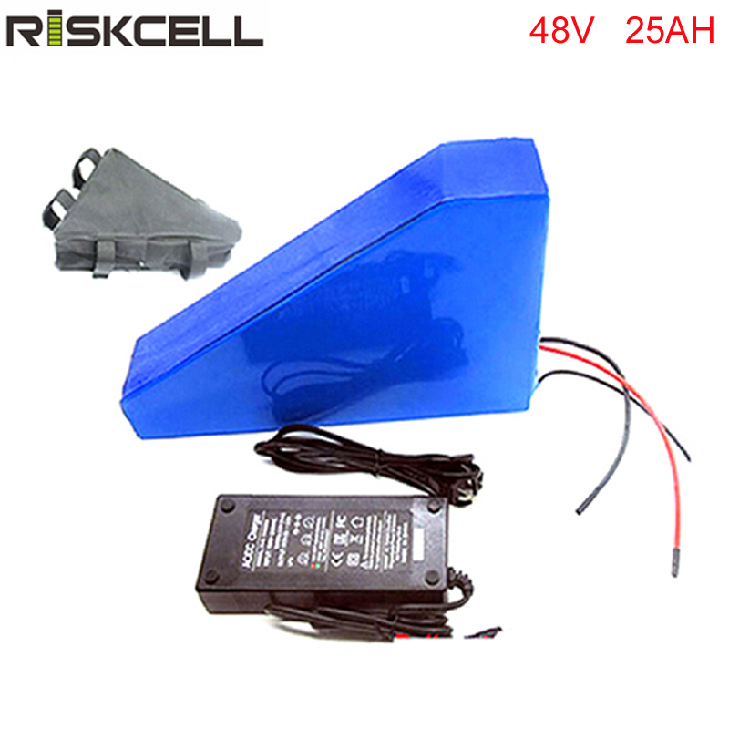 Free customs duty 48v 750w 1000W triangle e-bike battery 48v 25ah lithium ion battery pack fit 48v bafang 8fun bbs02 motor kit rear rack 48v 1000w electric bike battery 48v 25ah lithium ion battery pack fit bafang 8fun motor with led tail lamp charger bms