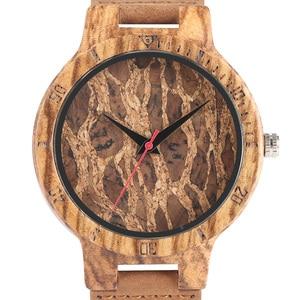 Image 4 - Relojes creativos simples de madera para hombre, reloj masculino Original de madera de bambú con estampado de hojas rotas y recortes de corcho, 2020