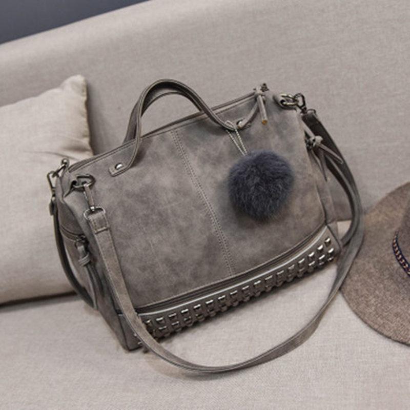 Bolish Vintage In Pelle Nabuk Femminile Top handle Borse Rivetto Più Grande  Borse da Donna Capelli Palla Borsa Moto Borsa A Tracolla Messenger Bag in  Bolish ... e1669bcaffe