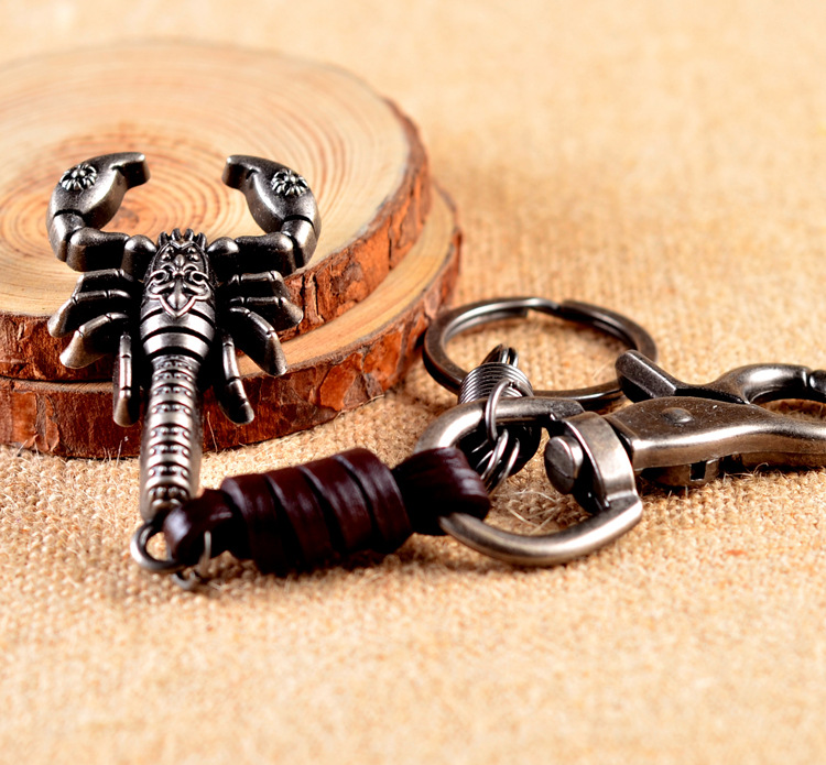 Hot Selling Scorpion Metal Alloy Pendant Key Chain High Quality Leather keychain Christmas Gifts For Father Boy Friend charms