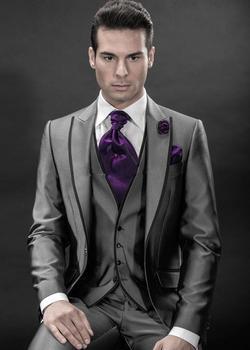 2018 Groom Tuxedos Best Man Peak Lapel Groomsmen Men Wedding Suits Bridegroom C284