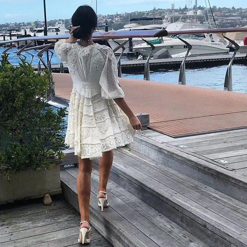 Perspective Pour V De Piste Luxe Vestidos Gaze Robe Cou Sexy Dentelle Beige Évider En Brodé Vague Point Fantfur Femmes xg6fFXqwCC