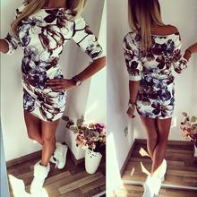 Женское платье с круглым вырезом и цветочным принтом