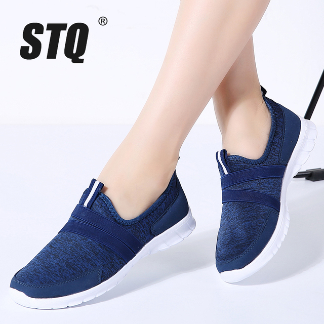 حذاء رياضي نسائي صيفي STQ موضة 2020 حذاء نسائي شبكي يسمح بالتهوية حذاء باليه مسطح سهل الارتداء بدون كعب مقاس كبير 7696