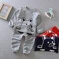 2017 primavera ropa de bebé de algodón de manga larga t-shirt + pants set muchachas de los bebés tridimensionales ropa para perros conjuntos