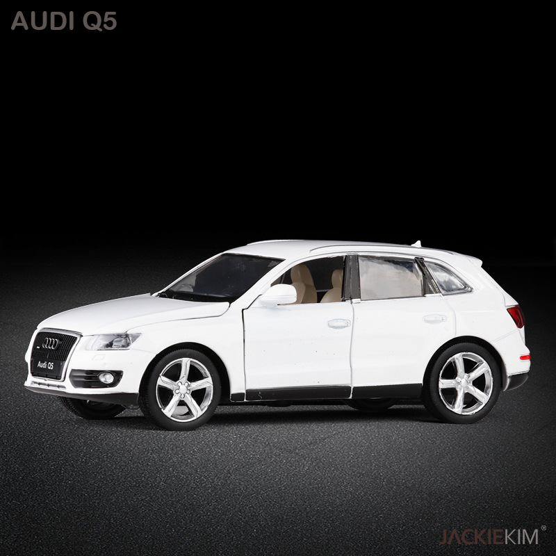 Die Cast 1:32 Pull Back Car Models For Audi Q5 Alloy SUV