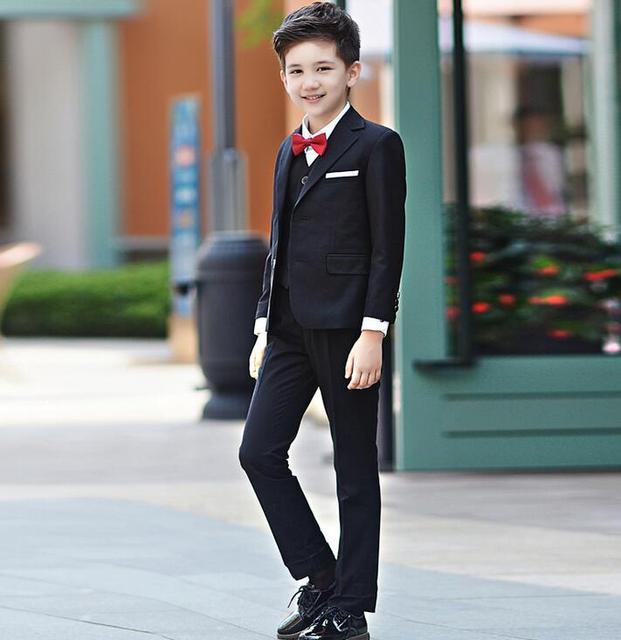 81e7541a4f3a0 Erkek düğün takım elbise Çocuklar Smokin Siyah/Mavi erkek Kıyafetler 4 adet Sonbahar  giyim setleri