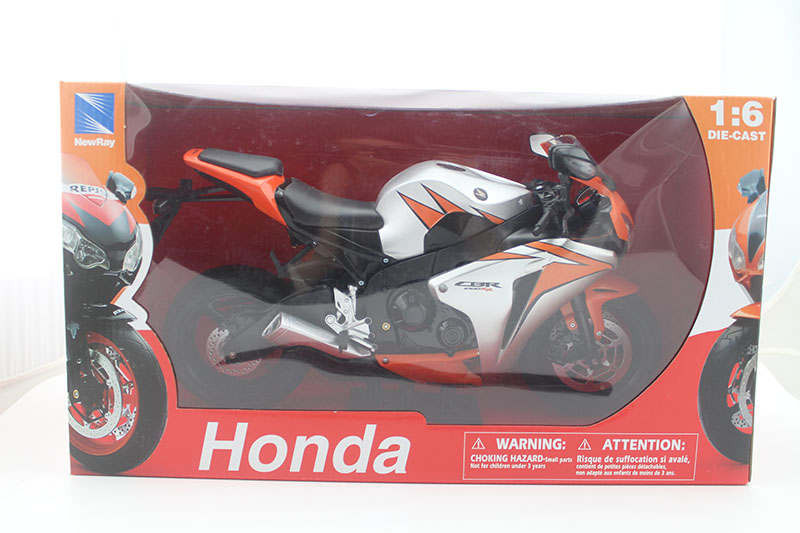 NEWRAY 1/6 Scale Motorcycle Model Toys HONDA CBR 1000 RR Motorbike Diecast Metal Model Toy For Collection,Gift,KidsNEWRAY 1/6 Scale Motorcycle Model Toys HONDA CBR 1000 RR Motorbike Diecast Metal Model Toy For Collection,Gift,Kids