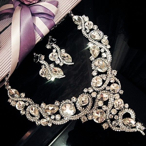 The new high-grade crystal bridal sets of chain necklace large wedding banquet Jewelry Royal Jewelry Earring Sets