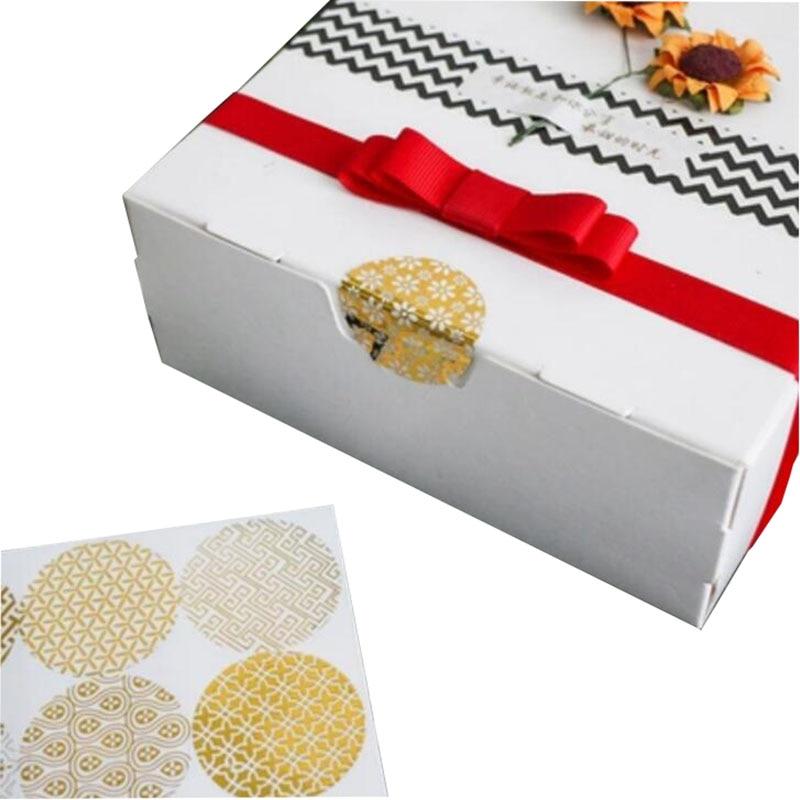 Купить с кэшбэком 90pcs/pack Gold Round Bronzing Transparent Sealing Stickers Diameter 4cm Transparent Pattern Series Gift Label Baking Sticker