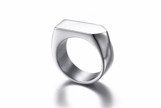 Фото модные черные золотые серебряные кольца из нержавеющей стали