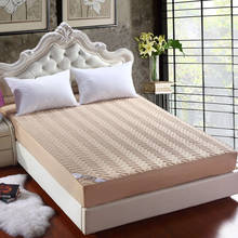 Beautiful jacquard striped anti-mite waterproof mattress cover breathable mattress protector available all year round(China)