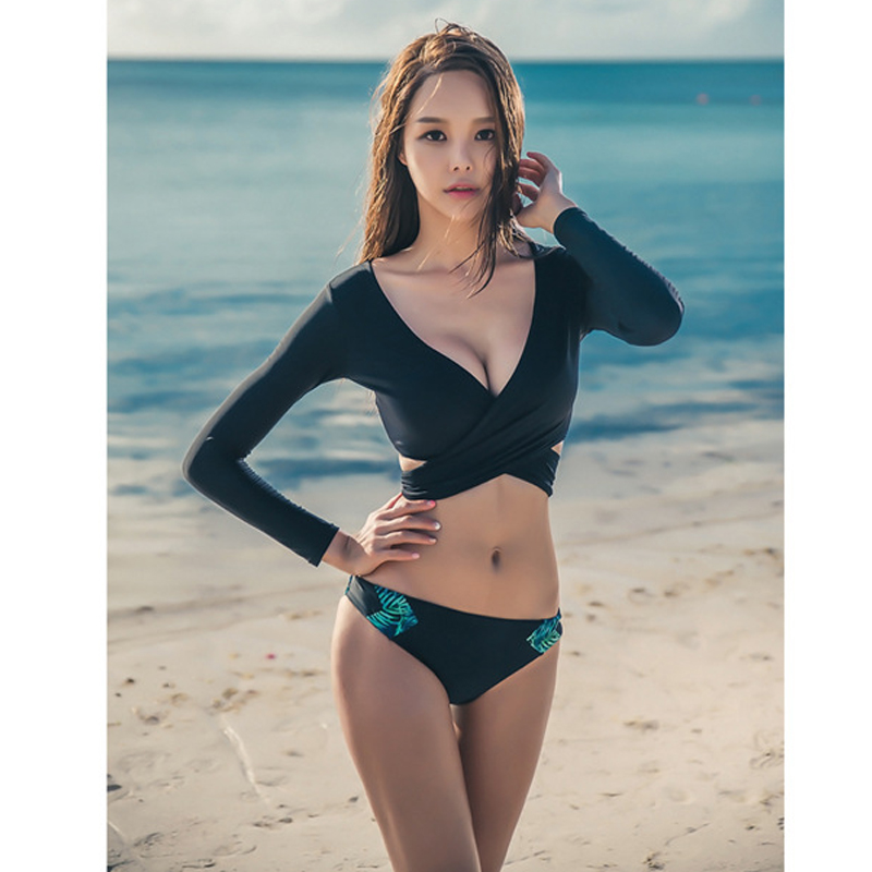 Korean version of the style ladies bikini three-piece set long sleeve shirt swimming pool sexy beautiful girl student swimwear o 2018 direct selling springs swimming clothes bikini three pieces of small breasts the steel sexy shading thin korean swimsuit