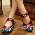 Новая Мода Китайский Стиль Цветочные Вышивка Мягкой Подошвой женские Старый Пекин Национальный Плоским Ткань Обувь Танцы Обувь