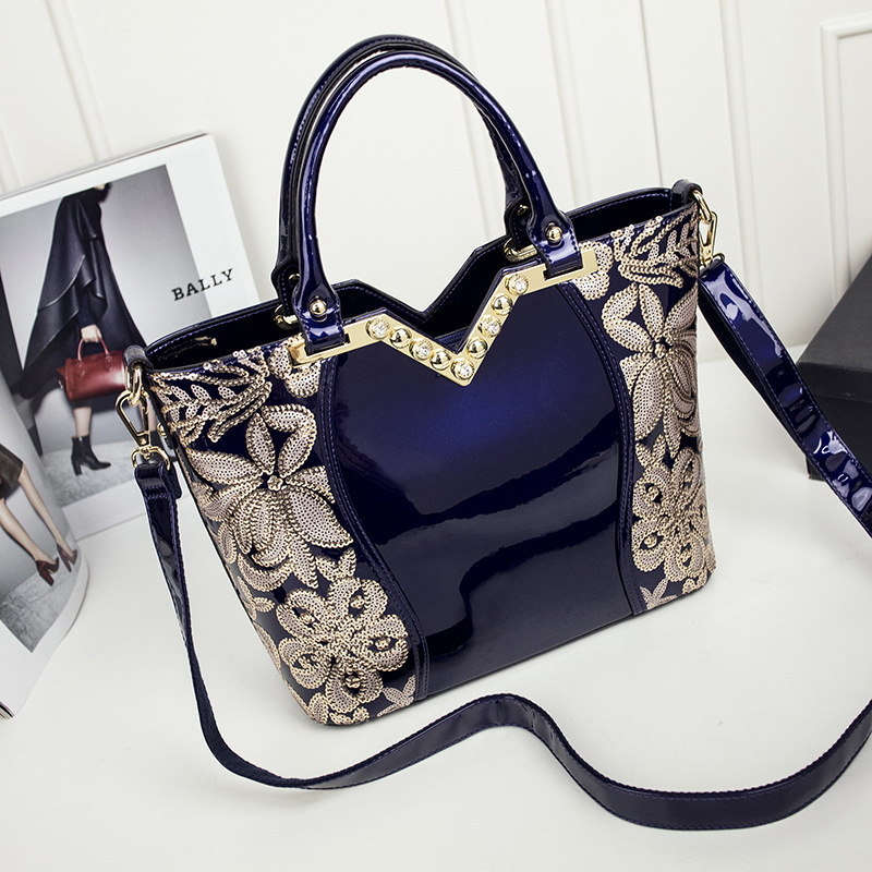 patent leather Flowers Embroidery glossy surface diamonds women luxury style handbag Casual Ladies Tote shoulder Bag luxury chinese style women handbag embroidery ethnic summer fashion handmade flowers ladies tote shoulder bags cross body bags