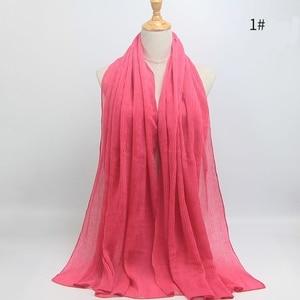 Image 4 - أوشحة شتوية ناعمة طويلة مجعد بتصميم ساخن وشاح إسلامي منسوج للحجاب 25 لونًا