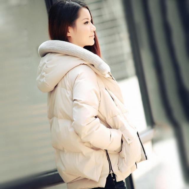 Moda Por La Chaqueta Mujeres Abrigo de Invierno de la Moda Gruesa Dama Blanca pato Abajo de Prendas de vestir Con Capucha Warm Negro Verde Beige Envío gratis