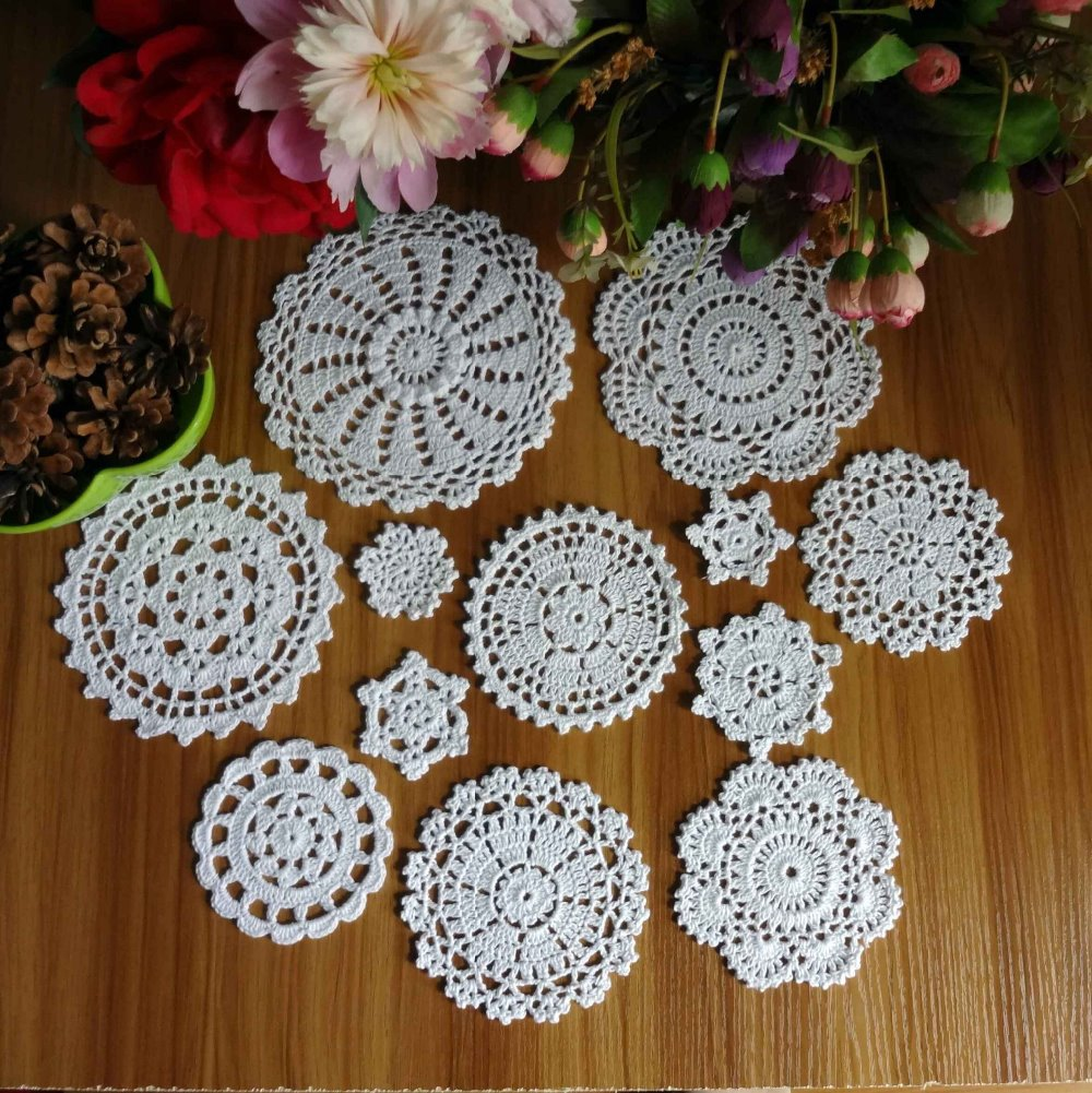 Nouveau Design 24 pièces 100% coton fait à la main Crochet napperons tasse tapis tapis caboteur 12 Vintage Crochet Motifs 5-18Cm blanc Beige Hd079