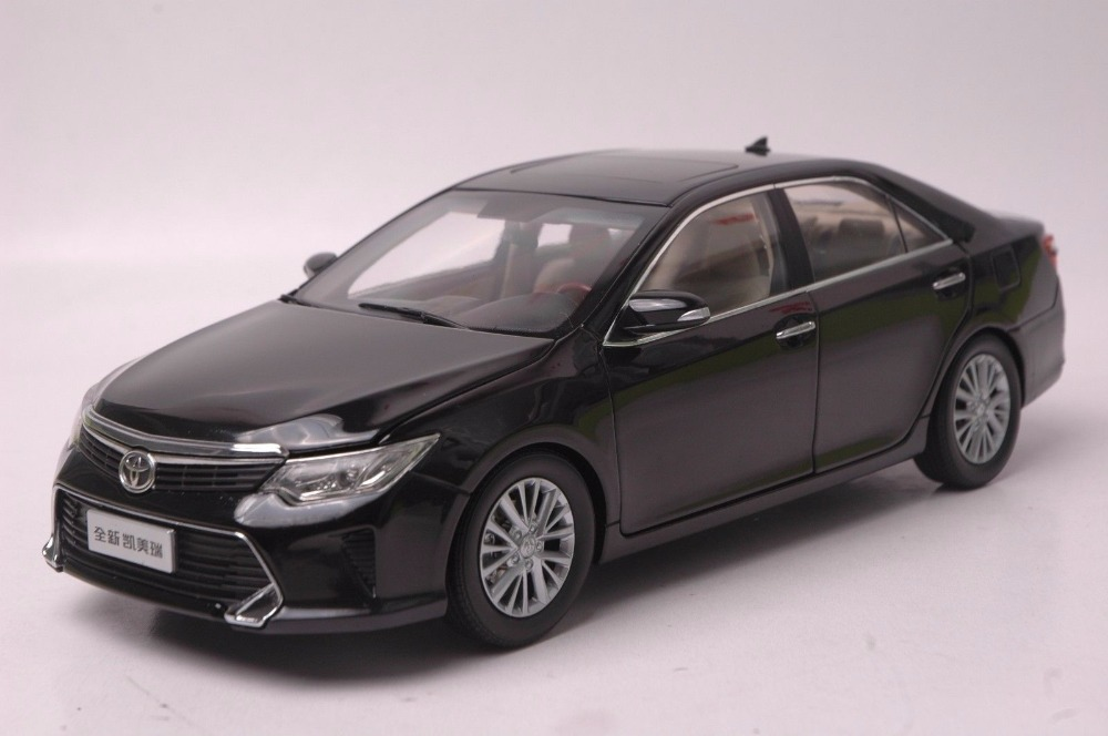 1:18 Diecast Model for Toyota Camry 2015 Black Alloy Toy Car Miniature Collection Gift масштаб 1 18 toyota crown 2015 diecast модель автомобиля черный