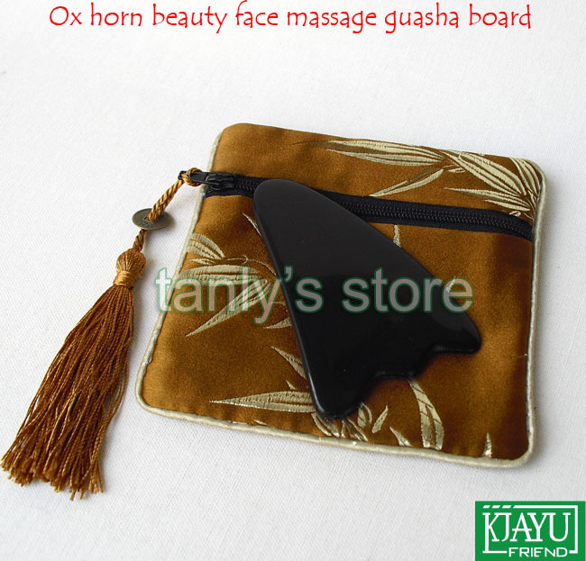Good quantity! Wholesale & retail thicken triangle buffalo horn massage guasha board beauty face Scrapping plate with beauty bag new arrival 100% buffalo horn thicken high polishing beauty guasha tool 1pcs fish 1pcs dolphin plate
