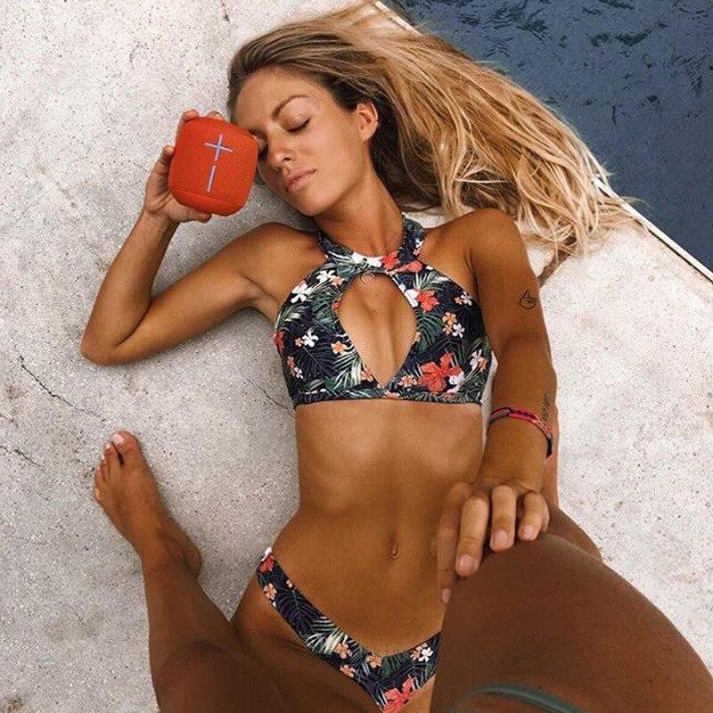 ZTVitality mujeres Sexy estampado ahuecado Halter traje de baño 2018 nueva llegada acolchado ropa de playa de cintura baja Bikini traje de baño mujeres Biquini