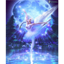 Painting 3D Round Cross Stitch / Square Diamond Mosaic Full of Diamonds Embroidered with Girl waving her wings