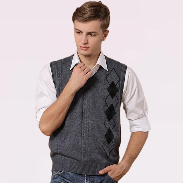 2016 New Man Casual Clothes Autumn Winter Male Twist Wool Gilet Sleeveless Knit Sweater Vest  Hot Sale MT101