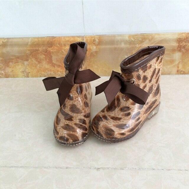 Модные зимние плюшевые детские резиновые Сапоги и ботинки для девочек Дети лодыжки малыша Сапоги и ботинки для девочек лук Leopard Обувь для мальчиков Обувь для девочек дождь Сапоги и ботинки для девочек tx112