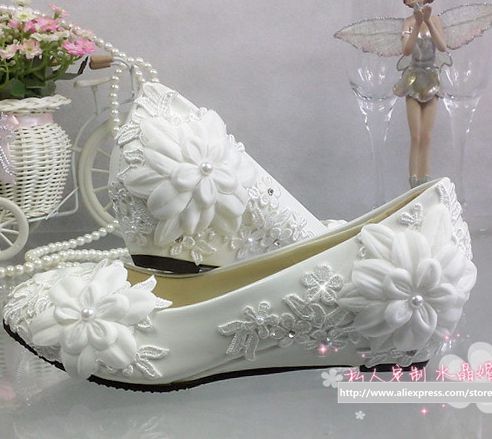 ФОТО White 3cm wedges heel wedding shoes for women low small heel lace flowers bridal shoes TG281 handmade bridesmaid brides shoe