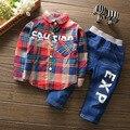 Бесплатная доставка 2017 весна осень Клетчатую Рубашку + джинсы 2 шт. костюм мальчик хлопчатобумажную рубашку набор детей