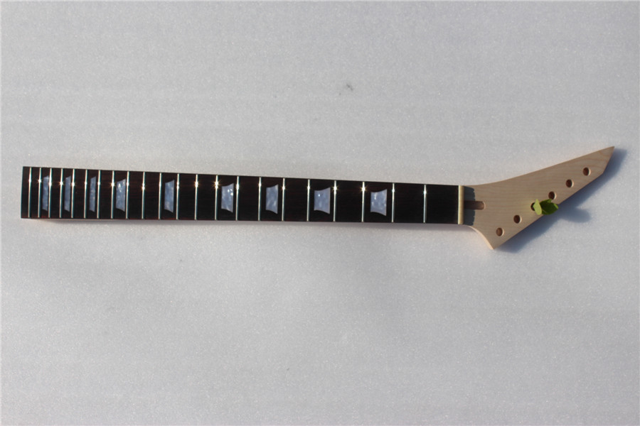 1 pcs  electric    guitar neck high quality maple  made with rosewood   fingerboard 22 fret  цена и фото
