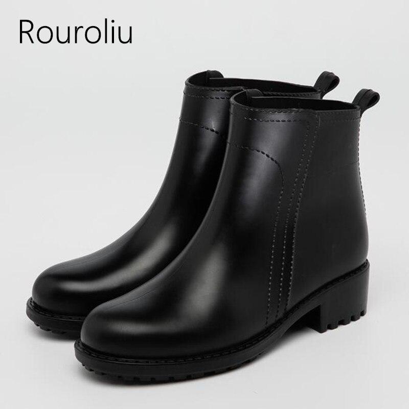 Rouroliu Cheville En Caoutchouc Pluie Bottes Femmes Slip-on Courts  Imperméables Chaussures D eau 991bf14ebf4c