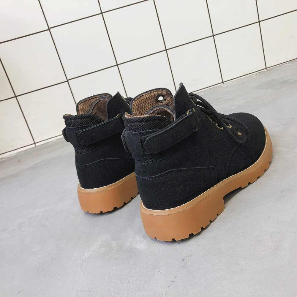 Platform Topuklar Kadınlar yarım çizmeler Yumuşak perçin Kalın yüksek Topuk Platformu Çizmeler Avrupa ve Amerikan kısa tüp