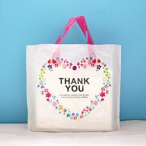Image 3 - 50 adet Flamingo Hediye Plastik saplı çanta giysi saklama Çantası Teşekkür Ederim Plastik alışveriş çantası Paketleme Düğün Parti Dekorasyon