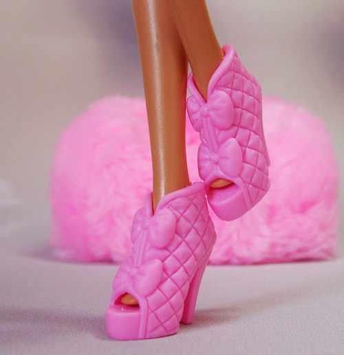 Nuevo Producto, venta al por mayor, 1 par de zapatillas auténticas para botas de muñeca, moda 1/6, zapatos de muñeca princesa de 30 cm, Sandalias planas con lazo para muñeca Barbie