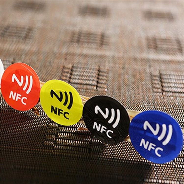 13.56Mhz NFC tag Ntag203/Ntag213 144bytes Compatible with any smart phone with NFC function waterproof nfc tags lable ntag213 13 56mhz nfc 144bytes crystal drip gum card for all nfc enabled phone min 5pcs